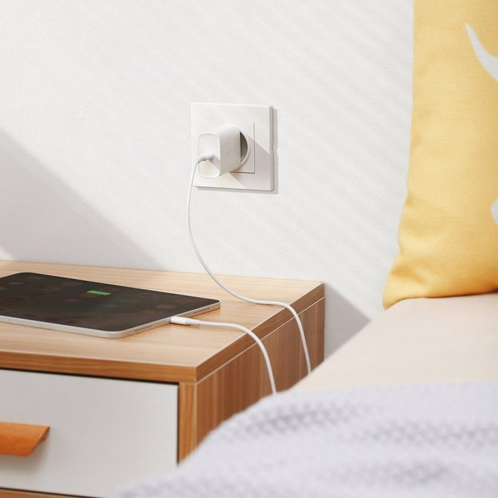 wall chargers - ugreen fast wall charger travel adapter usb typ c power delivery 30 w quick charge 4.0 white (70161) - 4 - krytarna.cz